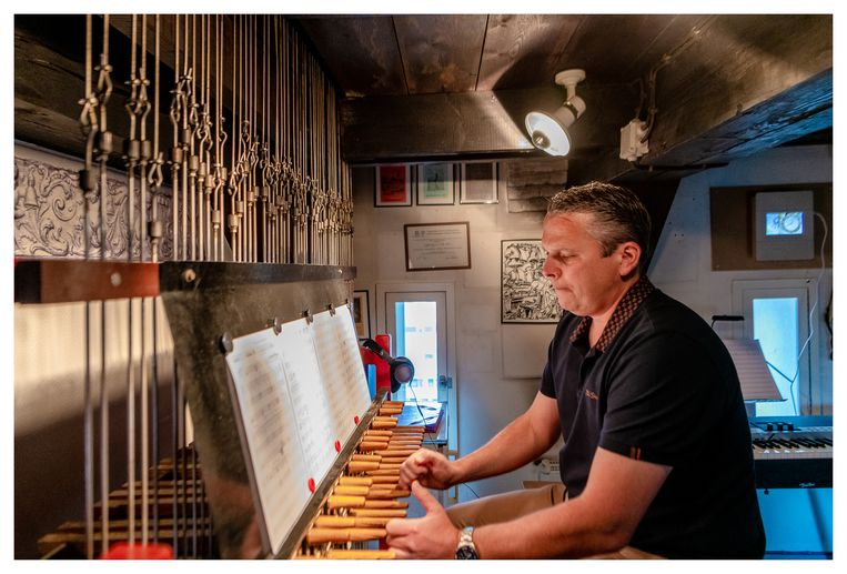 """Stadsbeiaardier Kenneth Theunissen: """"Het nummer heeft een heel transparante melodie en is daarom heel herkenbaar op de beiaard."""""""