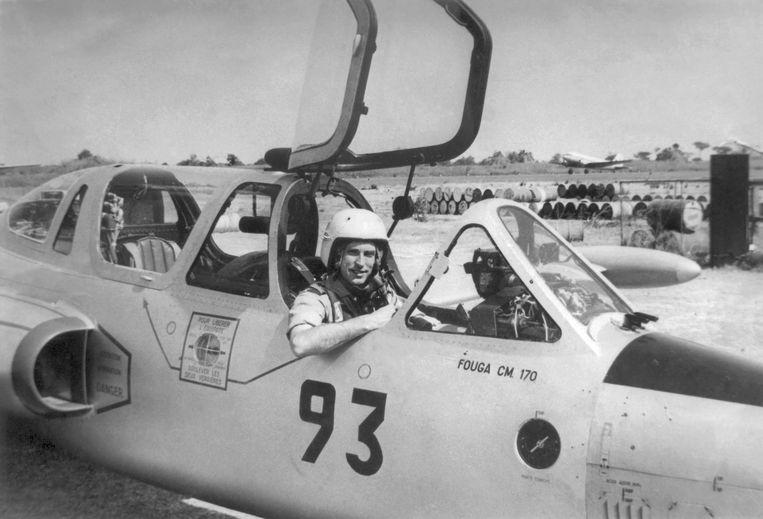 Jan van Risseghem in de Fouga 93 van de Katangese luchtmacht. Beeld RV