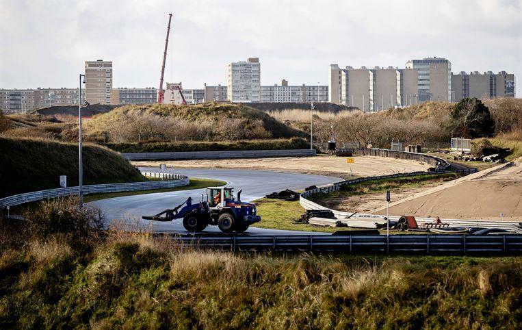 Algemeen overzicht van de bouwplaats van Circuit Zandvoort tijdens een mediatour over de voortgang van de renovatiewerken in Zandvoort, Nederland, 2 december 2019. De Nederlandse Formule 1 Grand Prix keert in mei 2020 voor het eerst sinds 1985 terug naar Zandvoort Beeld EPA