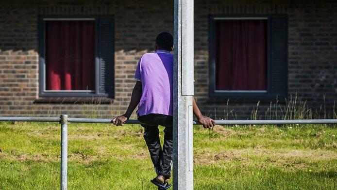 een vluchteling in een opvangcentrum in Veenhuizen.