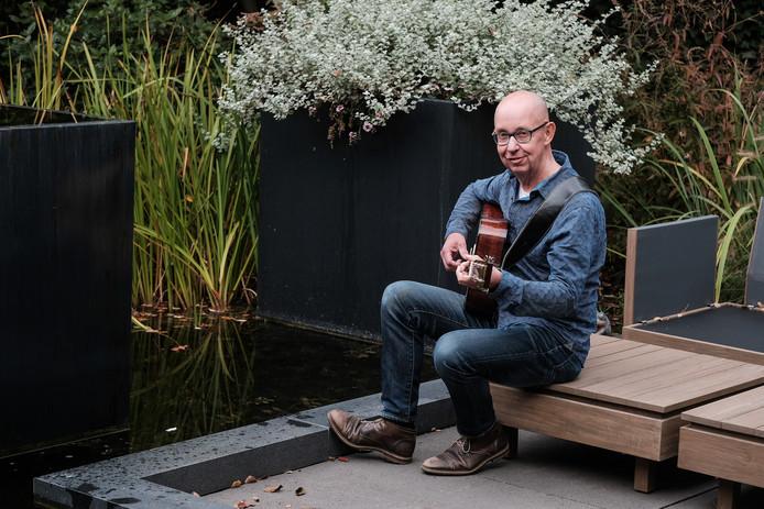 Hans Westerveld won onlangs de Kleiroze en is voorvechter van het dialect.