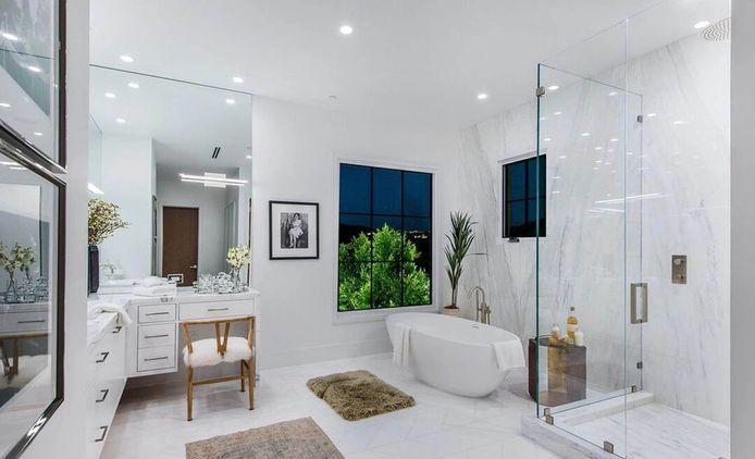 Ook de badkamer is even stijlvol als de rest van het huis.