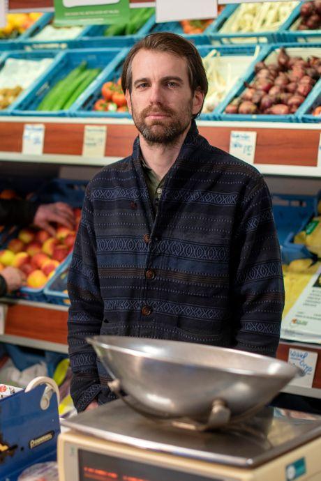 Bij columnist Martijn Brugman liggen de komkommers buiten de koelkast