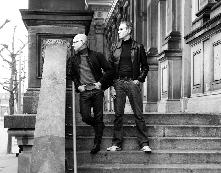Jan Versweyveld en Ivo van Hove. Beeld Dirk Balsem