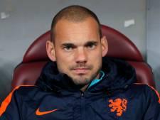 Geruchten kloppen: beelden opgedoken van Sneijder die auto vernielt