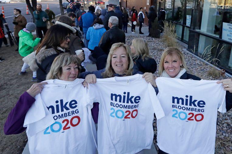 Bloomberg heeft veel supporters, ondanks het feit dat hij de eerste vier voorverkiezingen oversloeg. Zijn tegenstanders verwijten de miljardair dat hij de nominatie probeert te kopen. Beeld AP
