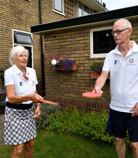 Parkinson of niet: Sam (69) en Floor (78) tafeltennissen er lustig op los, en nu zelfs op internationaal niveau