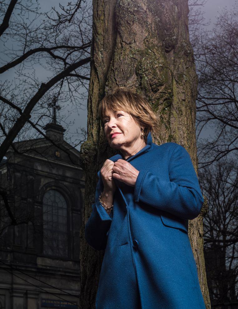 Yvonne Zonderop: 'Het gaat om het besef dat er iets groters is dan onszelf.' Foto Jiri Buller / de Volkskrant Beeld Jiri Buller