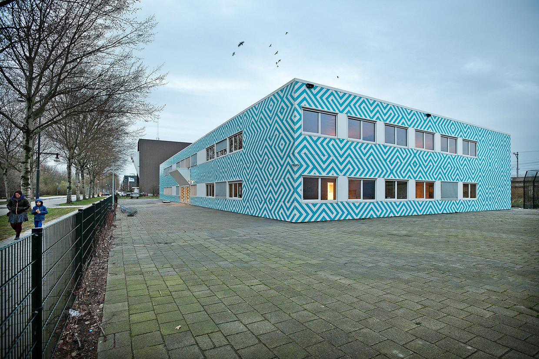 Het Cornelis Haga Lyceum in Amsterdam. De school zou onder radicaal-islamitische invloeden staan.