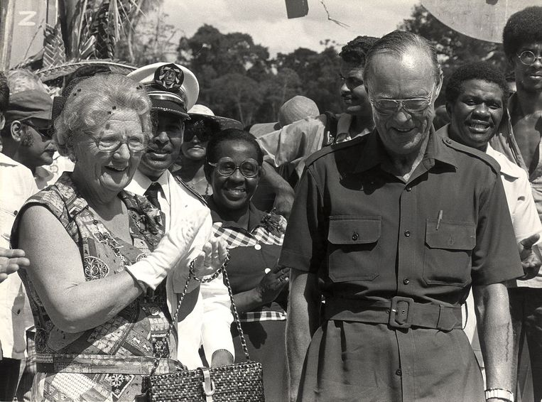 13 februari 1978, koningin Juliana en prins Bernhard op werkbezoek in Suriname. Beeld ANP