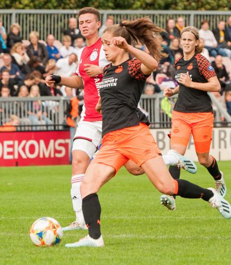 PSV Vrouwen denderen over Ajax heen
