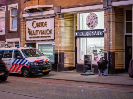 Man overvalt beautysalon in Rotterdam-West en vlucht met onbekend geldbedrag