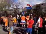 Tiktok-zanger Rolf Sanchez danst in Nuland