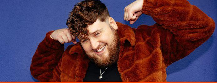 Dave Budha treedt zaterdag 25 september op in De Schuur, hij is rapper en hiphopartiest en werd in Zevenbergen geboren.