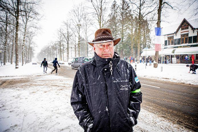 Frans Mulderij, voorzitter van de Stichting Marathon Apeldoorn die jaarlijkse de Midwinter Marathon in Apeldoorn houdt. Corona gooide roet in het eten, maar Mulderij ging toch een kijkje nemen.