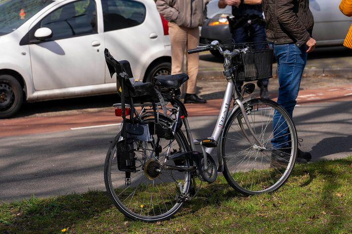 De fietsster raakte gewond aan haar hoofd bij het ongeval