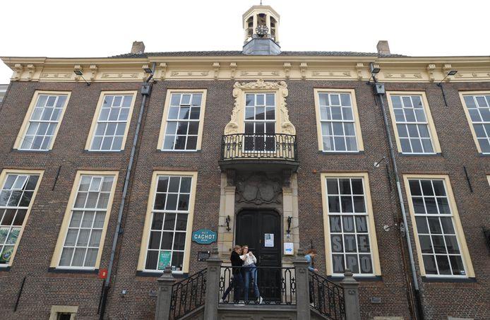 Het 's-Landshuis in Hulst waar het museum komt.