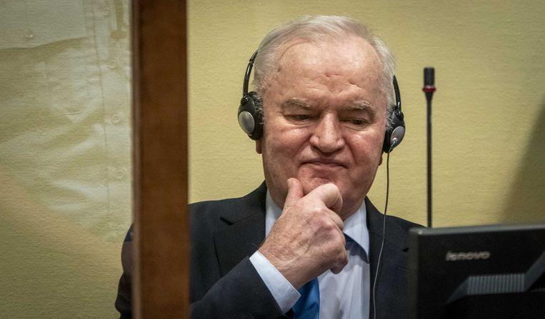 Ratko Mladic in het VN-tribunaal in Den Haag gisteren. Beeld ANP