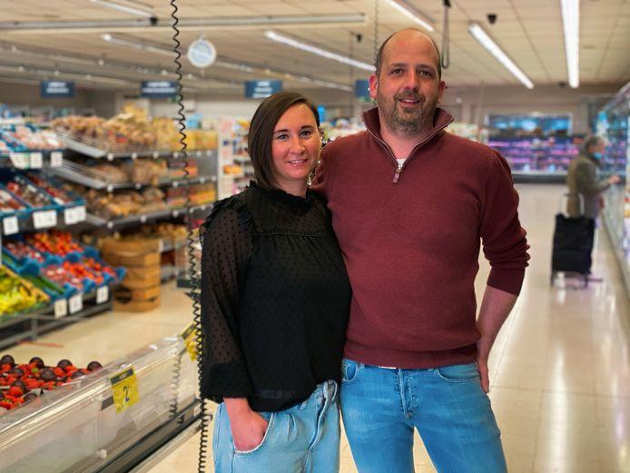 Kat en Stoffel zijn de zaakvoerders van de Carrefour in Moerbeke.