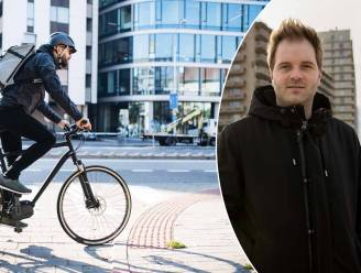 """""""Koop je fiets nooit online"""": Niels Albert en drie andere ex-coureurs vertellen waarop je moet letten bij de aankoop van een stadsfiets"""