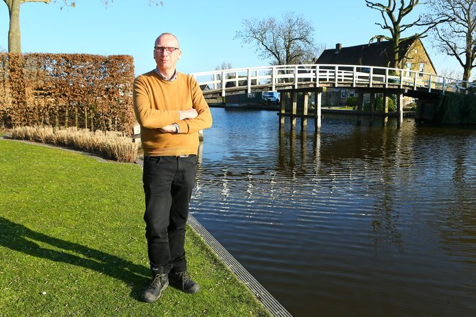Wout de Jong wordt straks eigenaar van de nieuwe Pinkeveerse brug in Giessenburg.