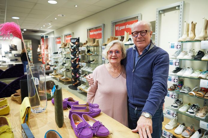 Anneke en Stephan Scheer stoppen met Van Es schoenen in Veghel.