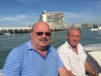 """Michel Van den Brande koopt defibrillators voor heel Blankenberge na hartstilstand van vriend: """"Als deze toestellen er waren geweest, leefde Fons misschien nog"""""""