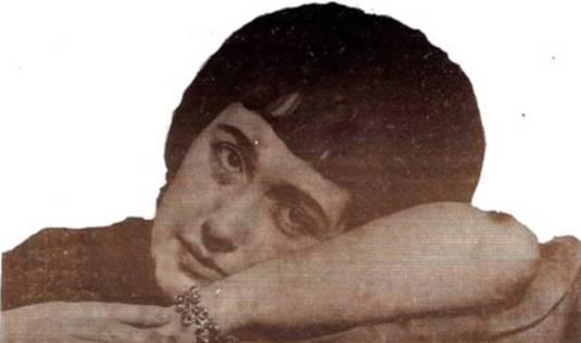 Lily de Vos op een van haar vele singletjes.