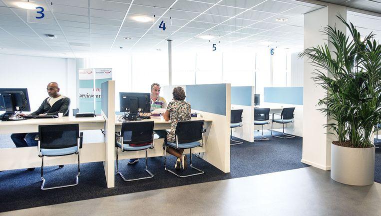 Het UWV in Haarlem. Minister Asscher (Sociale Zaken) verwacht dat jaarlijks enkele tienduizenden werklozen met het UWV gaan praten. Beeld Guus Dubbelman / de Volkskrant