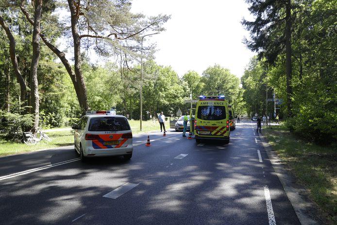 De hulpverleners op de Elspeterweg.