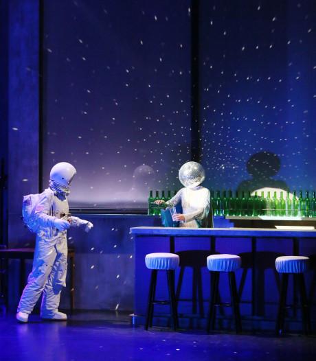 Le Bal in Parktheater in Eindhoven: een historisch ratjetoe in een swingende balzaal