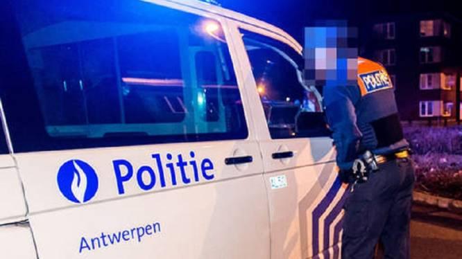 Vrouw gewond na sprong uit raam bij politiecontrole op lockdownfeestje