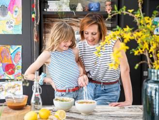 3 kidsproof recepten voor Moederdag: Sofie Dumont en dochter Grace nemen (letterlijk) de proef op de som