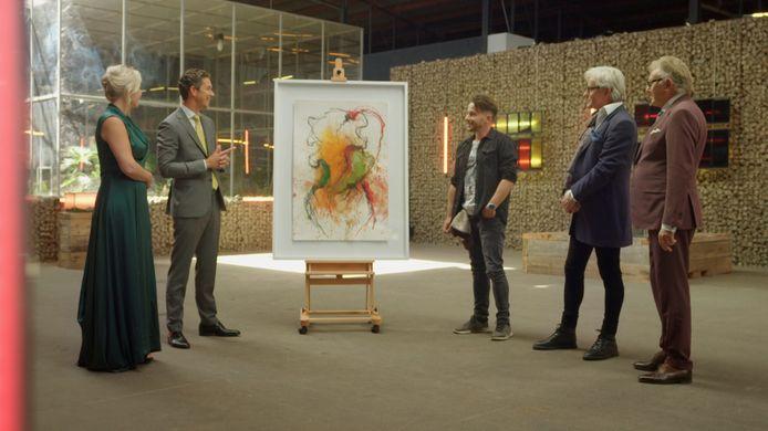 Dean Delannoit probeert een schilderij van de Belgische kunstenaar Koen Vanmechelen te verkopen.
