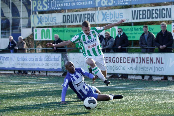 Ramon Janson, hier in actie tegen RVVH, vertrekt na vier seizoenen bij Kloetinge.