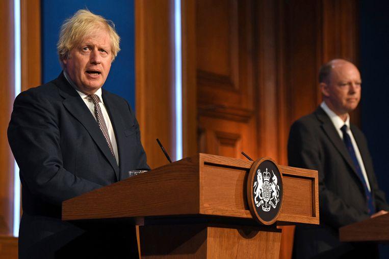 Premier Boris Johnson bevestigt dat er heel wat versoepelingen gepland staan. Beeld AP