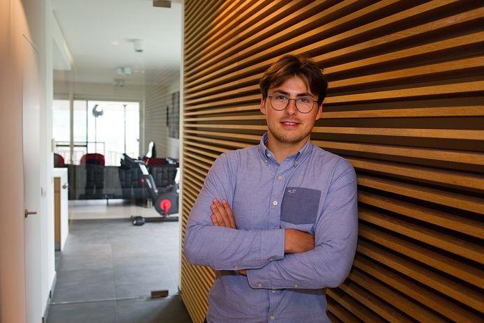 Jason De Bosschere-Demeijer (21): 'Ik kan mensen niet genoeg aanraden om al op jonge leeftijd te beleggen.'