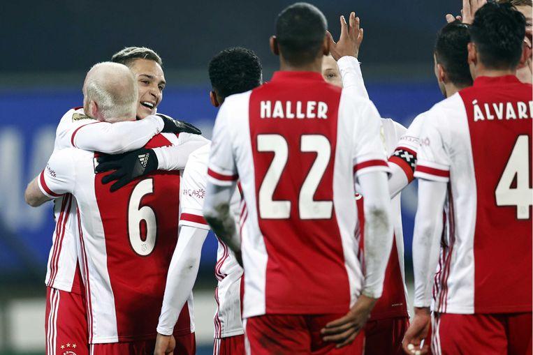 Davy Klaassen en Antony vieren de 0-1. Beeld ANP