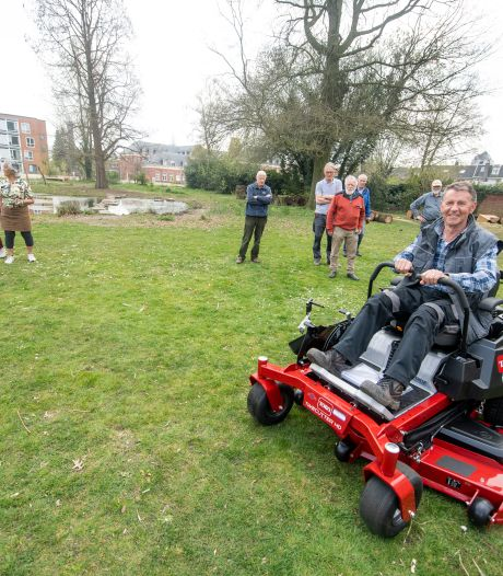 Doepark De Hagen komt nu al tot leven, ook de nieuwe maaimachine El Toro is er klaar voor