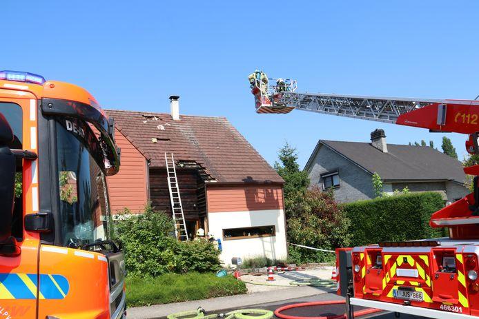 De woning liep schade op, maar de brandweer kon erger vermijden.