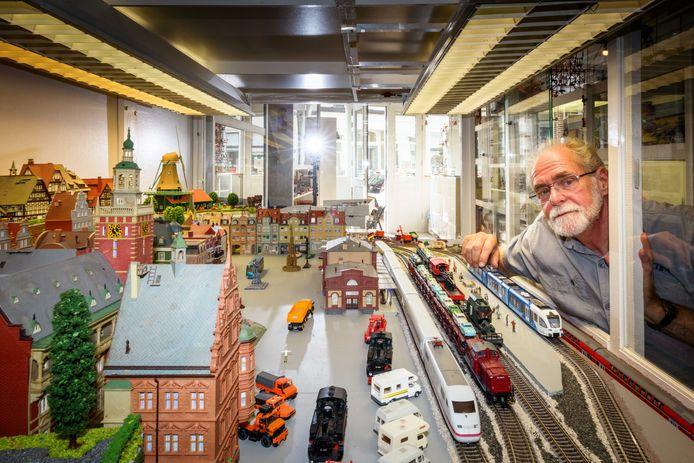 Herman Diender heeft zijn Speelgoedkabinet weer geopend voor publiek.