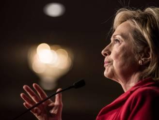 Hillary Clinton hangt onderzoek boven het hoofd in e-mailzaak
