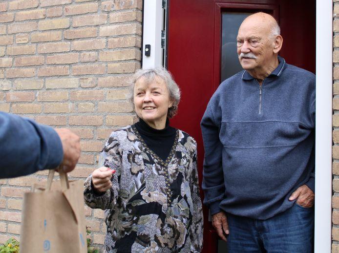 Een hulppakketje voor een ouder echtpaar