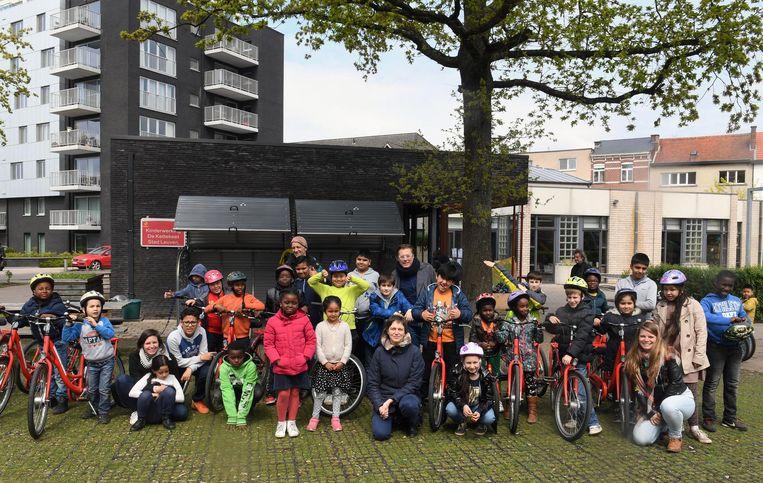 In De Kettekeet in Sint-Maartensdal werd gisteren het fietsenpark geopend in aanwezigheid van tientallen kinderen.