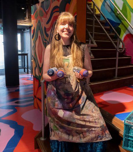 Van doorn in het oog naar kleurexplosie: entree poppodium De Spot omgetoverd tot kunstwerk