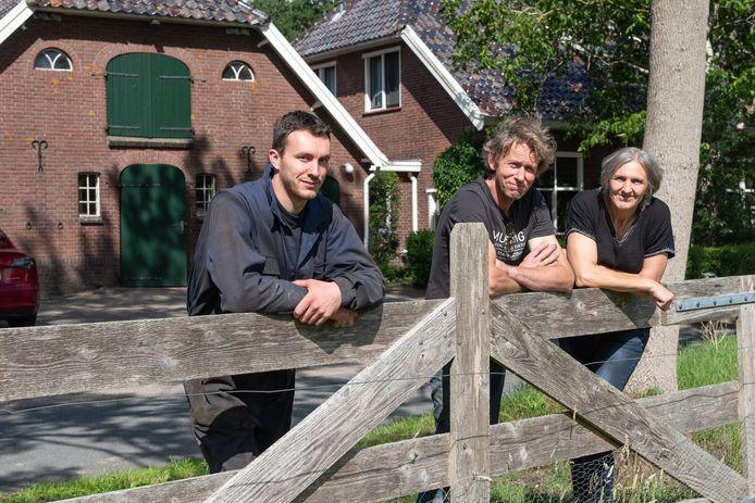 Familie de Kruijf bij hun boerderij en kookstudio in het buitengebied van Leusden.