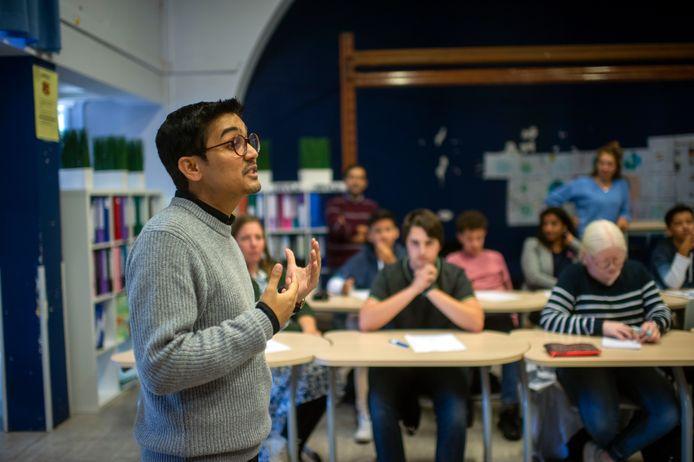 Deepak Ramola stond zelf ook even voor de klas.
