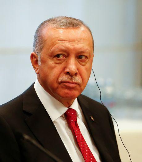 Putsh manqué en Turquie: plus de 200 mandats d'arrêts contre des militaires