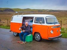 Jack is gek op zijn 'vervloekte' Volkswagenbusje: 'Liever een ster in mijn voorruit dan op mijn motorkap'