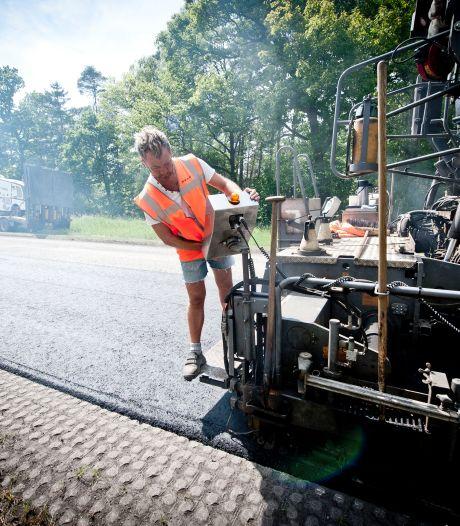 Inwoners Weerselo willen graskeien in gevaarlijke bermen langs Bornsestraat